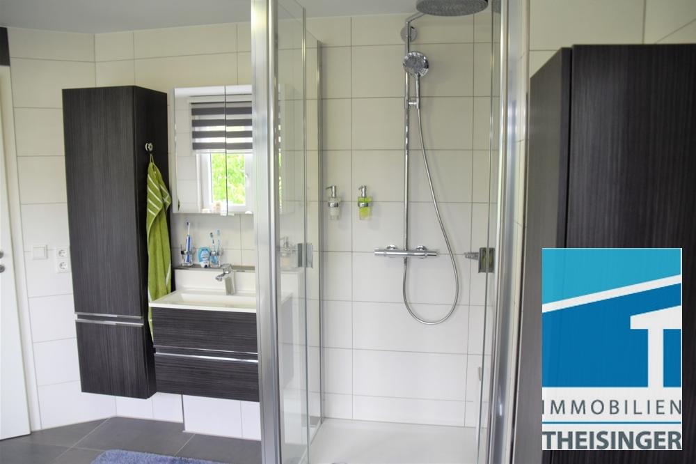7 Badzimmer mit Dusche