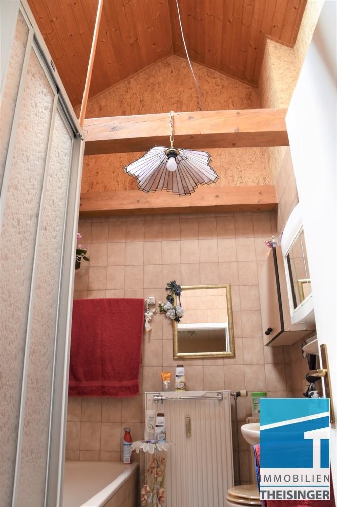 Bad mit Dachliegefenster