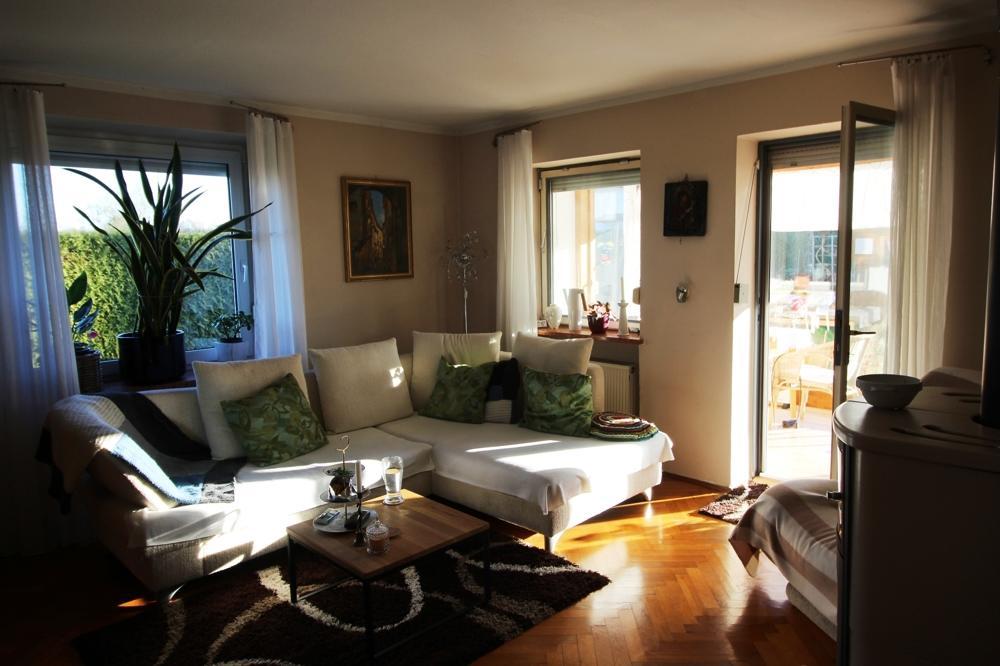 EG Wohnzimmer  und Zugang Wintergarten