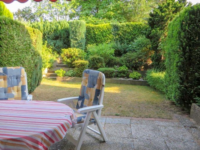 Terrasse + Garten im UG