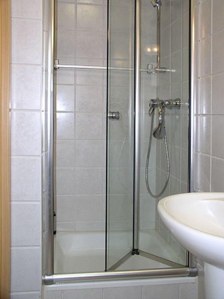 Dusche im Gäste-Bad