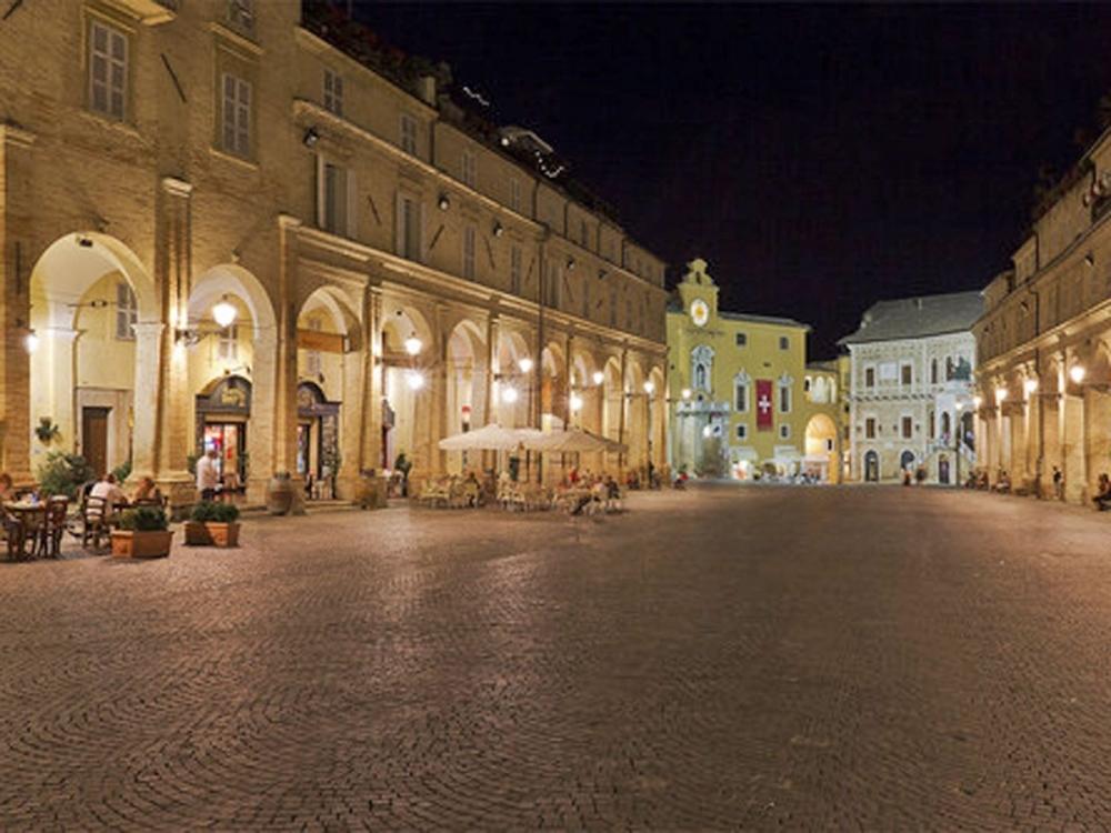 Fermo Piazza del Popolo