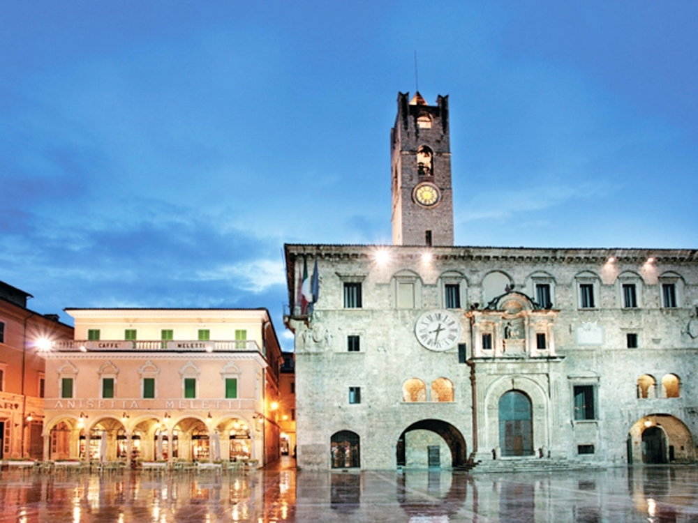 Ascoli Piazza del Popolo