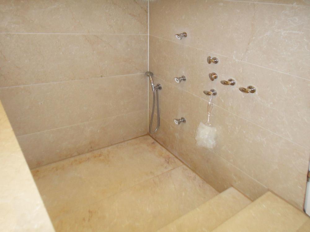 Marmor Dusche