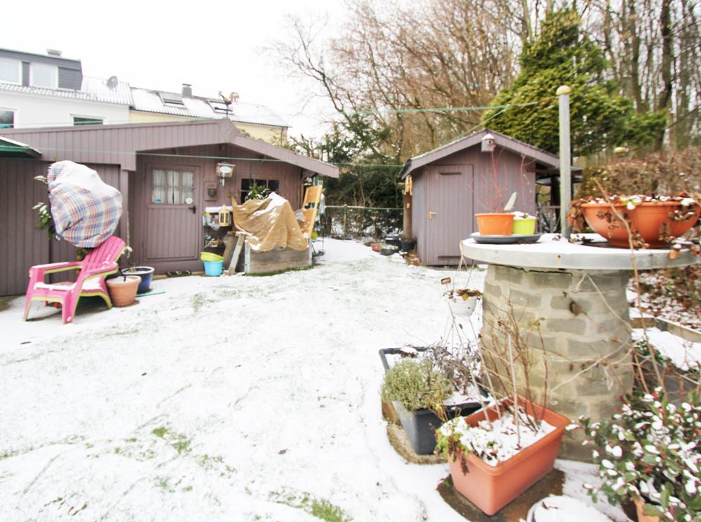 2 Gartenhäuser