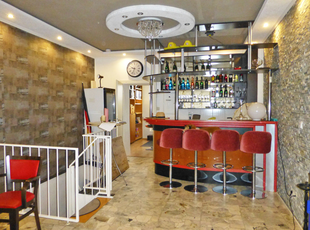 EG Cafe/ Wohnzimmer