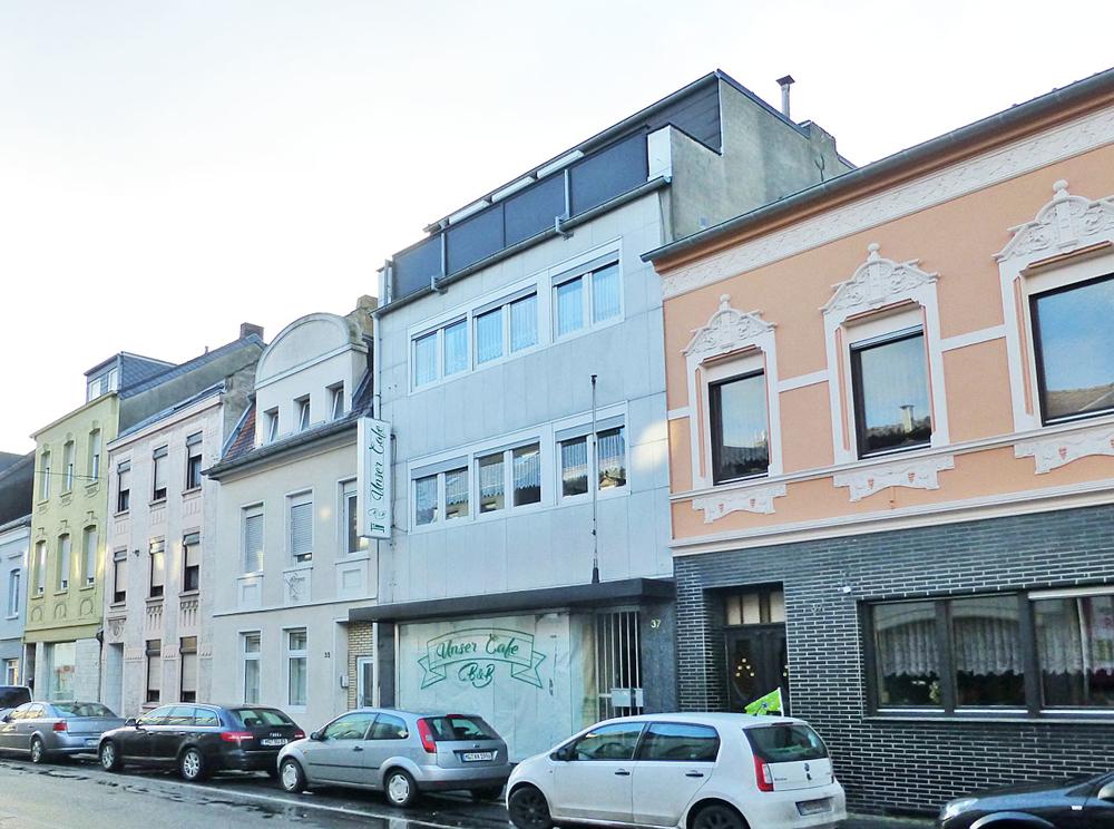 Haus und Nachbarn
