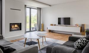 Helle, moderne Wohnung mit Garten