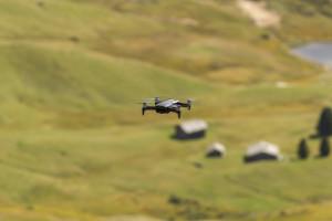 Drohnenflug in den Alpen