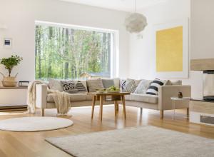 Wohnzimmer mit Karmin