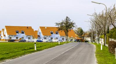 Mehrfamilienhäuser vor Wien