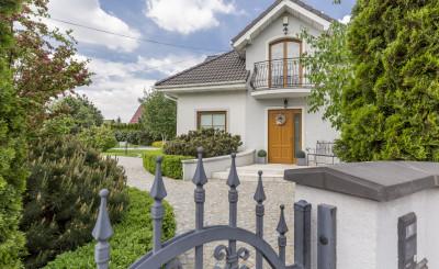 Einfamilienhaus mit Einfahrt