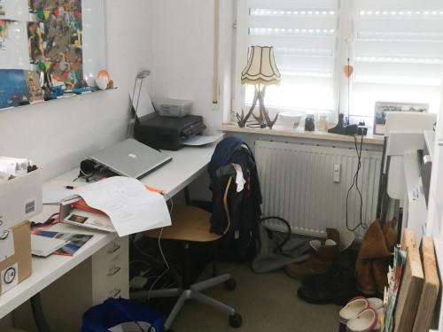 Unordentliches Büro