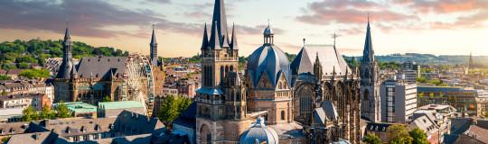 Aachen Dom und Rathaus
