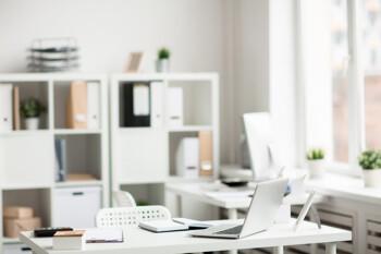 Helles Büro