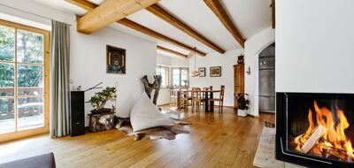 Wohnzimmer mit Holzbalken