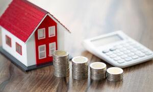 Haus und Münzen
