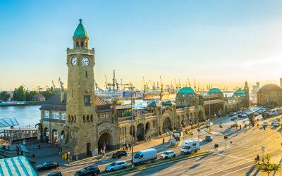 Blick auf Landungsbrücken Hamburg
