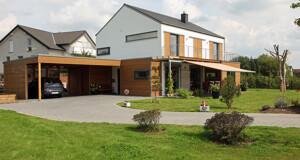 Einfamilienhaus mit Holz