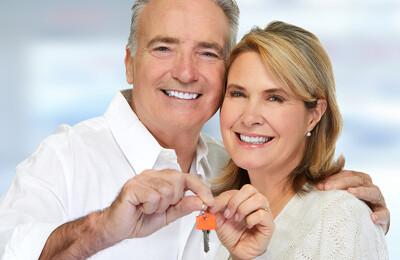 Ehepaar mit Hausschlüssel