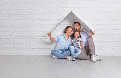 Junges Paar sucht Haus