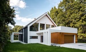 Weisses Einfamilienhaus