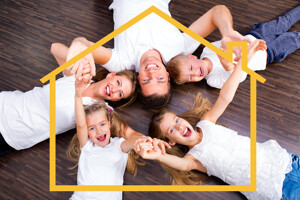 Familie mit gelbem Hausumriss