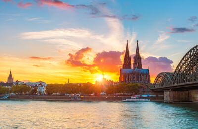 Kölner Dom und Rheinufer