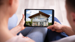 Immobiliensuche am Tablet