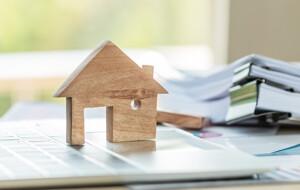 Hausmodell aus Holz