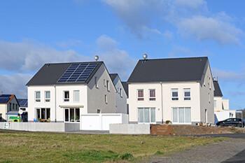 Neugebaute Einfamilienhäuser