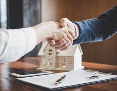 Handschlag beim Verkaufsabschluss
