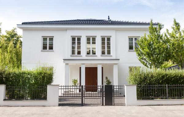 Haus mit großzügigem Eingangsbereich