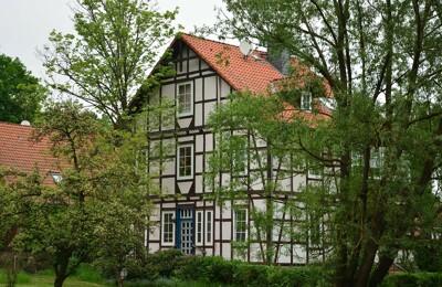 Mehrfamilienhaus mit Fachwerk