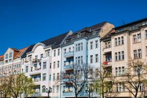 Sanierte Häuserzeile in Charlottenburg, Berlin