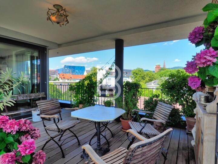 Ruhige & zentrale Wohnung mit Dachterrasse