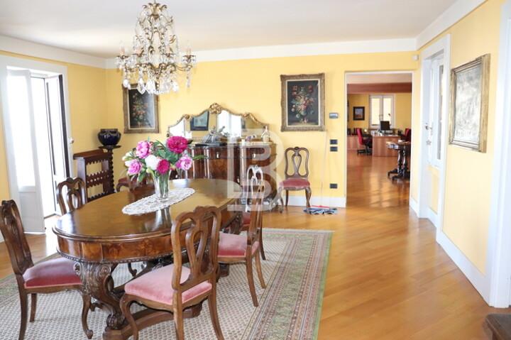 Wohnung mit spektakulärem Seepanoramablick