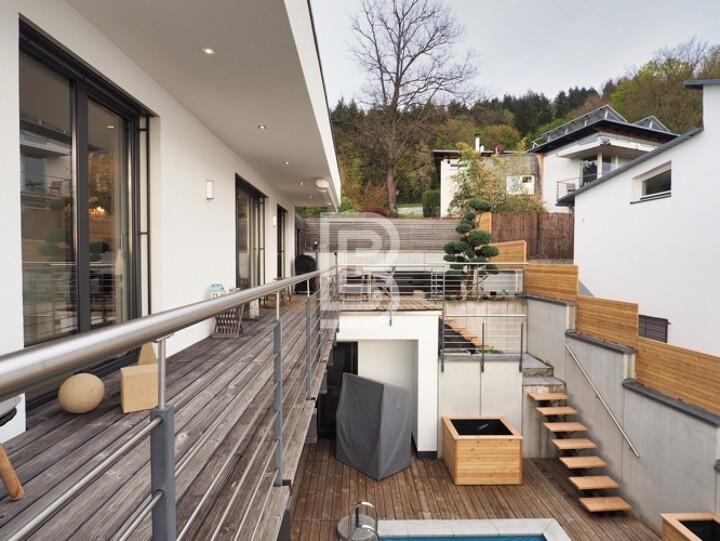 Moderne Villa mit Pool und Traumblick