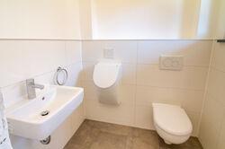 24 EG, Gäste-WC