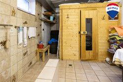Kellerraum mit Aufgusssauna