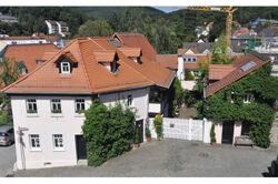 Das Zollhaus mit Nebengebäuden