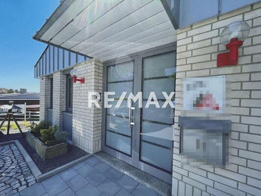 Branding-REMAX-Scout-AUSSEN-Eingang