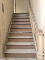 Treppenaufgang 18