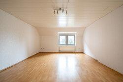 Ferienwohnung - Wohnzimmer 1OG