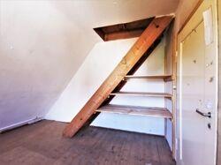 Abstellraum DG/Zugang Dachboden