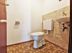 1.OG WC