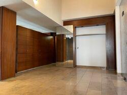 Eingangshalle mit Garderobe