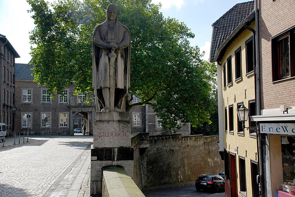 Altes Rathaus Mönchengladbach. Hier ist amarc21 mit einem Immobilienmakler-Partner vertreten.