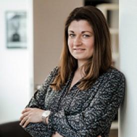 Frau Lisa Holzweiler